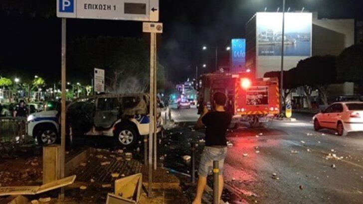 ozgur_gazete_kibris_Limasol_da_protestocular_sokaga_dokuldu1