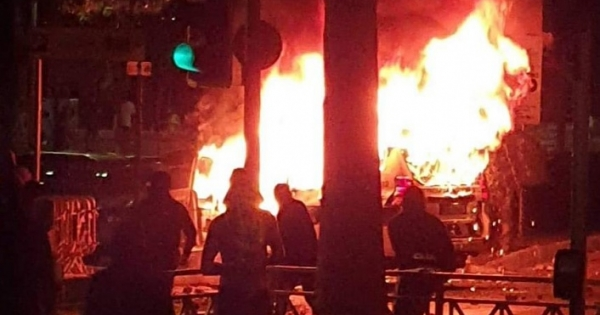 ozgur_gazete_kibris_Limasol_da_protestocular_sokaga_dokuldu2